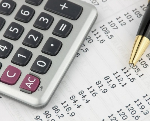 Calculator with itemized tax numbers